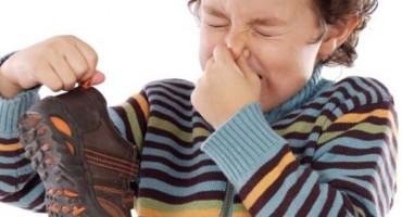 7 super trikova koji rješavaju neugodan miris obuće