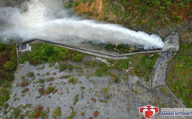 Fascinantne snimke – evo kako to izgleda kad se brana u Rami ispusti