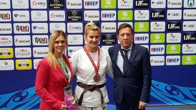 Aleksandra Samardžić osvojila srebro na juniorskom SP u Zagrebu