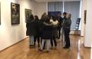 Mostarski slikar Marin Topić ugostio učenike trećeg razreda Građevinske škole Jurja Dalmatinca u Galeriji Aluminij