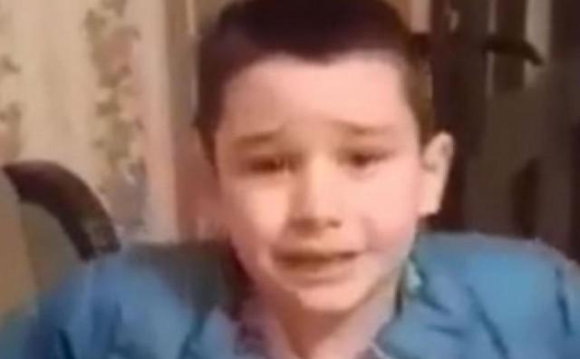 Klinac iz Vojvodine plače jer ne može biti Bosanac
