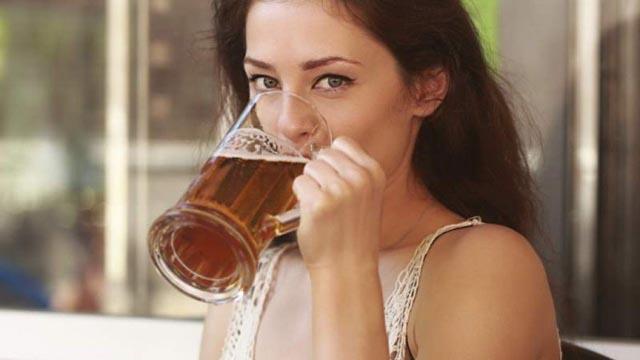 Pivo 'zaliva' pamet, ali 'gasi' memoriju