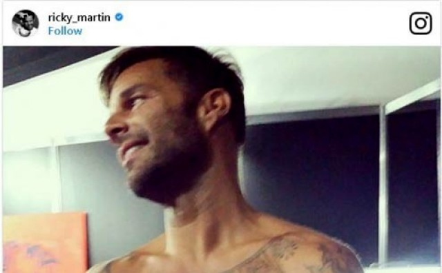 Ricky Martin se skinuo i zaludio fanove!
