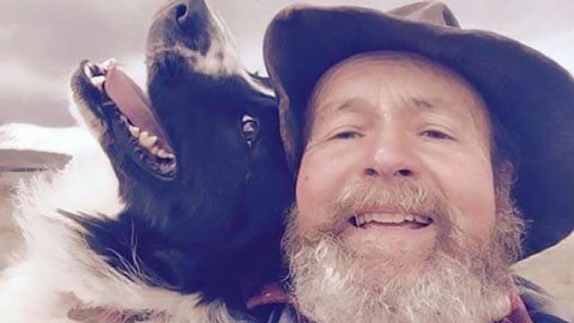 Kćerka ga naučila da pravi selfije, a on postao zvijezda na internetu