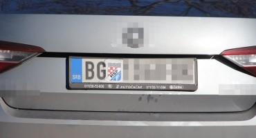 GASITE INTERNET, OVO JE SVE Na beogradsku tablicu stavio nalijepnicu HSP-a i stigao na Srđ