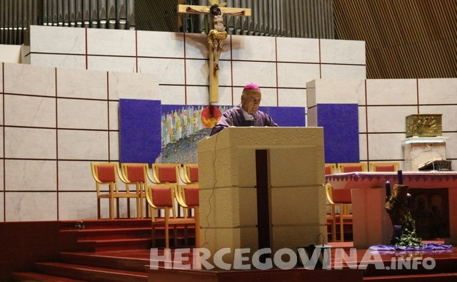 Propovijed biskupa Perića na svetoj misi za stradale studente