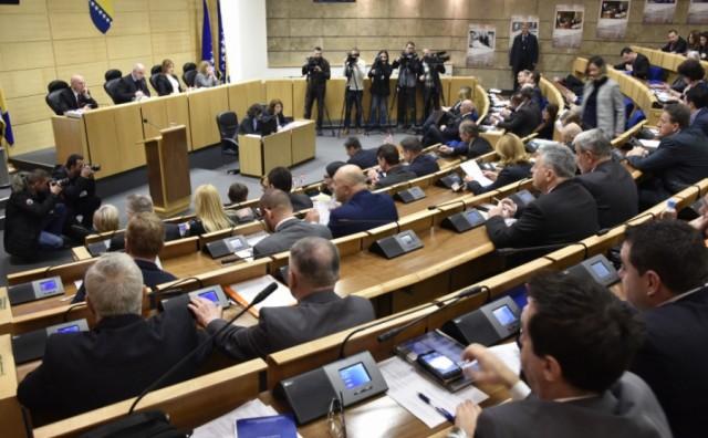 Klub zastupnika HDZ BiH - HNS-a ne želi sudjelovati u parlamentarnom radu dok se ne postigne dogovor koalicijskih partnera