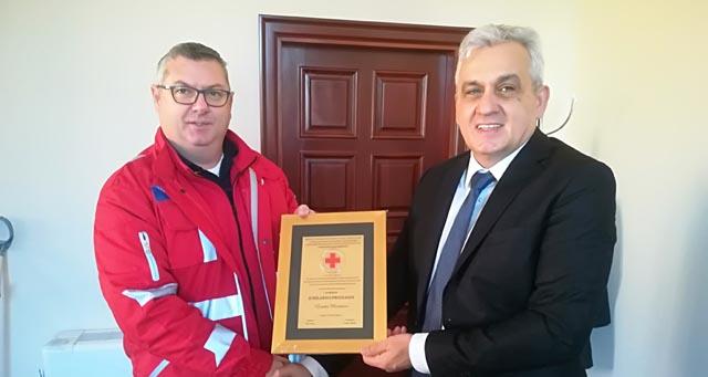 Kajtaz uručio Bešliću priznanje Crvenog križa Grada Mostara