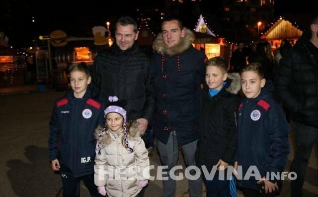 Advent u Mostaru: Druženje igrača i navijača HŠK Zrinjski