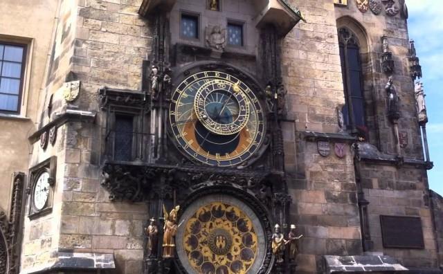 Zaustavljene kazaljke najpoznatijeg svjetskog sata: Orloj na višemjesečnoj restauraciji