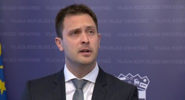 Pogledajte trenutak u kojem je državni tajnik ostavkom iznenadio ministricu Murganić