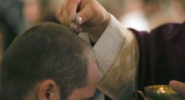 Danas je Čista srijeda – post i nemrs. Evo što to znači za katolike