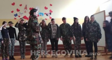 Mostar: Održane tradicionalne poklade u Osnovnoj školi Petra Bakule