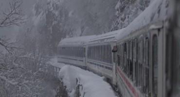 Ljudi se voze 13 sati vlakom iz Splita prema Zagrebu, a još nisu ni blizu