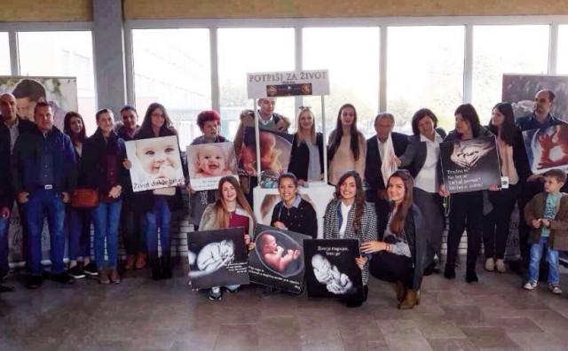 Udruga Mlado Sunce odgovorila Ratku Periću zbog njegovog poziva na bojkot karizmatika Mije Barade