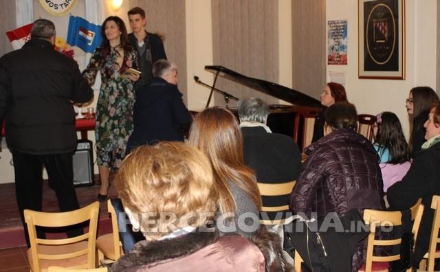 U dvorani HKD Napredak održana večer ljubavne poezije Anite Martinac