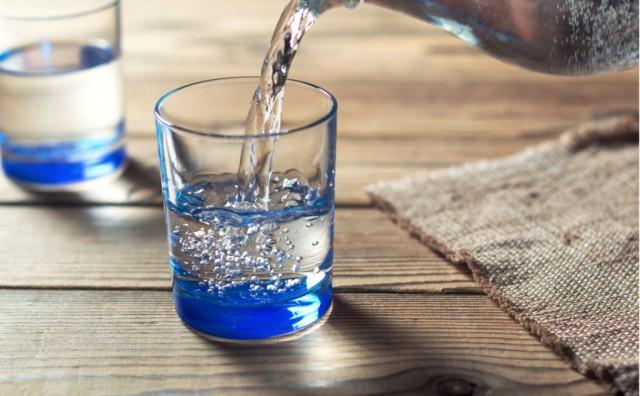 Što donosi ispijanje dvije čaše tople vode dnevno?