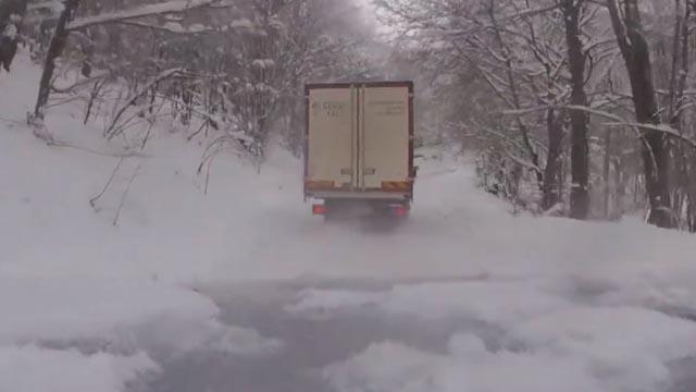 Kaos u BiH: Zbog snijega sletjela dva busa, Sarajevo zatrpano