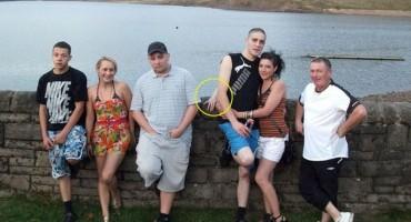 Na idiličnoj obiteljskoj fotografiji nekoliko godina kasnije otkrili nešto jezivo