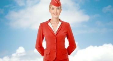 Zašto nas stjuardese uvijek dočekuju s rukama na leđima?