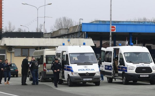 U Hrvatsku pokušao prokrijumčariti 3.300 komada tableta i 45 ampula