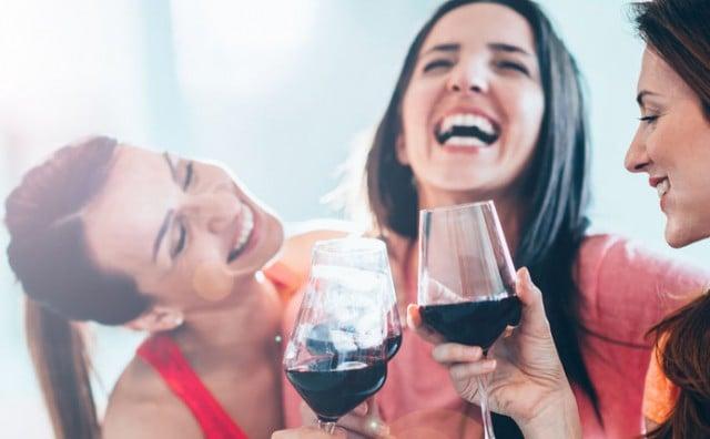 Druženje s prijateljicama 2 puta tjedno je potrebno svakoj ženi