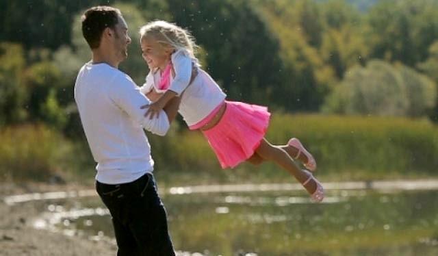 Djevojčice su lijepe na tatu