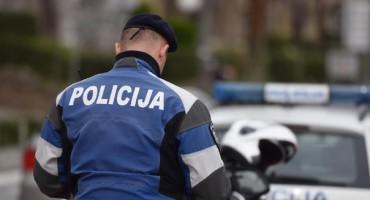 Policajac, koji medijima dostavio snimak prebrze vožnje zamjenika direktora policije, ostao bez posla