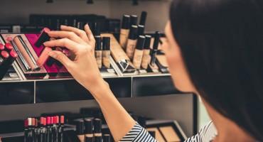 Koji su rizici korištenja šminke kojoj je istekao rok i koliko ona može trajati?
