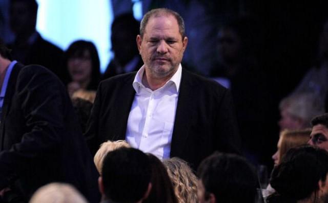 Trenutak koji čekao cijeli svijet: Harvey Weinstein stigao na policiju