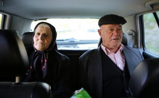 Efendija susjede katolike nedjeljom vozi u crkvu