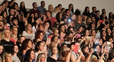Pogledajte kako je bilo sinoć na koncertu Željka Joksimovića u Mostaru