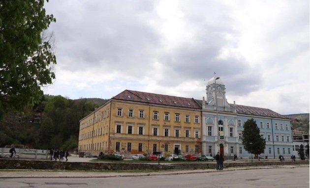Zgrada travničke Gimnazije mora se vratiti Vrhbosanskoj nadbiskupiji