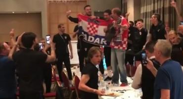 Totalna ludnica u hotelu Hrvatske: Vatreni i Mladen Grdović