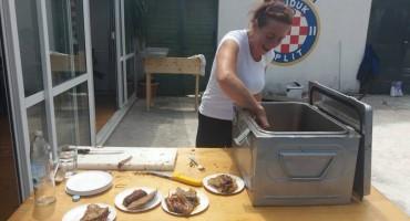 Pečeni vol za pobjedu Hrvatske nogometne reprezentacije