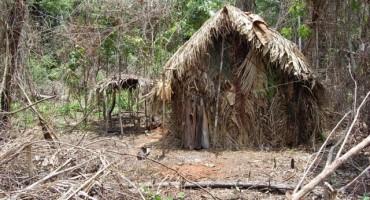 Objavljen snimak jedinog preživjelog člana misterioznog plemena, živi sam u amazonskoj prašumi već 22 godine
