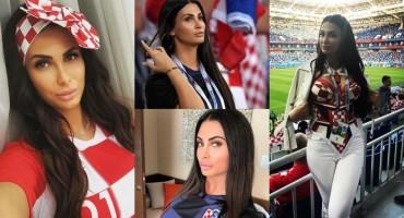 Podrška Vatrenima: Ivana 'okida' seksi selfije po Rusiji