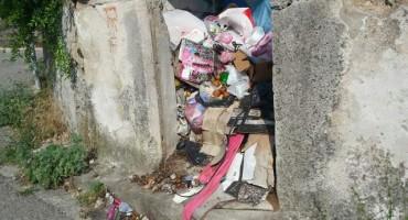Mostarski Komos poslao hitan apel putem svoje Facebook stranice zbog odlaganja smeća u naselju Šehovina