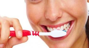 Deset ozbiljnih posljedica neredovitog pranja zuba