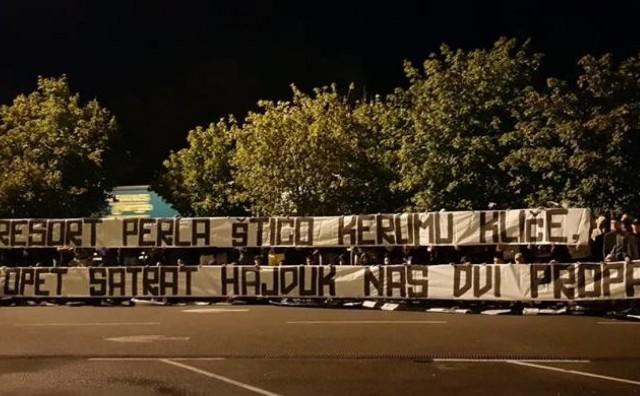 Pogledajte što je pisalo na transparentima navijača Hajduka i Rijeke koje im je policija zabranila unijeti na stadion