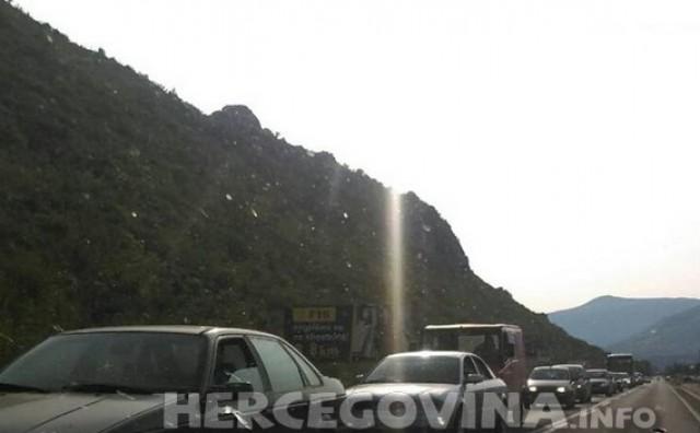 Teška prometna nesreća u Sutini kod Mostara