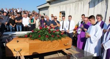 Stolac: Veliko mnoštvo vjernika na ispraćaju don Damjana Raguža