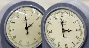 U nedjelju, 31. ožujka, u 2 ujutro pomičemo satove sat vremena unaprijed - na 3 sata