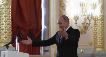 RUSI NA BIRALIŠTIMA 69-godišnji Putin prije izbora povećao plaću policiji, vojsci, umirovljenicima...