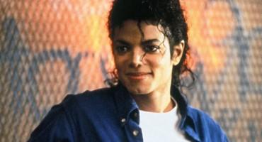 """Crna kožna jakna Michaela Jacksona s turneje """"Bad"""" prodaje se za vrtoglavu cijenu"""