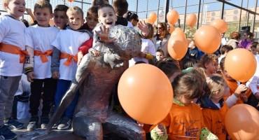 Šibenčani za 54. rođendan Dražena Petrovića pustili u zrak 54 balona