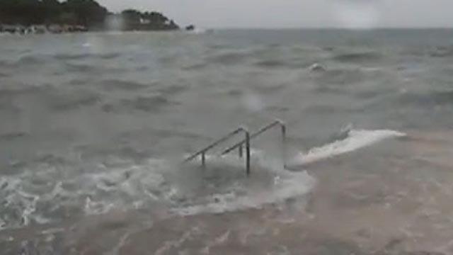 Nestala dvojica surfera u moru kod Umaga