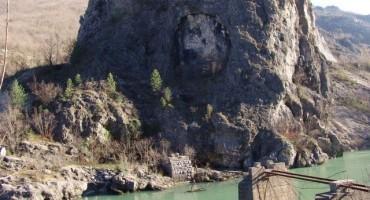 Priče kroz Mostar i Hercegovinu: Tajna spomen-ploča i zaboravljeni most