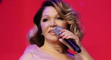 Najseksi baka Balkana, Neda Ukraden, nastupa u Las Vegasu i to uz Enriquea Iglesiasa