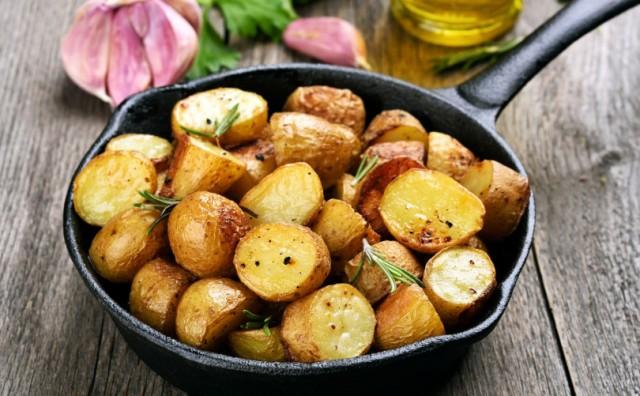 Ovog nema ni u restoranu! Trik za najhrskaviji domaći krumpir iz pećnice